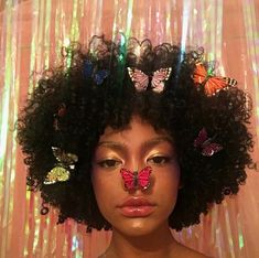 Image uploaded by prada baby. Find images and videos about pretty, hair and black on We Heart It - the app to get lost in what you love. Black Girl Magic, Black Girls, Curly Hair Styles, Natural Hair Styles, Afro, Black Girl Aesthetic, Aesthetic People, Aesthetic Makeup, Creative Makeup