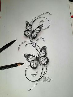 Butterflies filigree tattoo design - Tattoo-Ideen - Tattoo World Bild Tattoos, Sexy Tattoos, Body Art Tattoos, Small Tattoos, Sleeve Tattoos, Tattoos For Women, Tatoos, Vine Foot Tattoos, Tattoo Trend