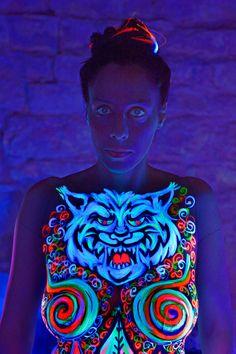 Artist Gilberta Gibi Bodypainter - Dante Alighieri incontra la Lonza - Dal 1° Canto dell'inferno .. modella Sabrina Tormena - Foto Mario Spinazzè- Conegliano (TV)