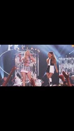 Ariana and  iggy they were soooo good xx