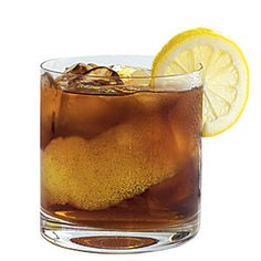 simple syrup, and tsp. root beer extract in a glass. Fill glass with crushed ice, and top with seltzer water or club soda. Garnish with a fresh lemon slice. Cocktail Drinks, Alcoholic Drinks, Cocktails, Beverages, Root Beer Extract, Drink Photo, Liquid Diet, Looks Yummy, Simple Syrup
