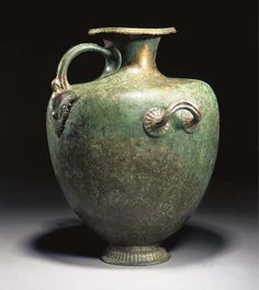 A GREEK BRONZE HYDRIA -  CIRCA 500-475 B.C.