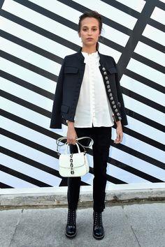 Alicia Vikander au défilé Louis Vuitton printemps-été 2017