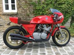 Mv Agusta, Classic Bikes, Classic Cars, Harley Davison, Cafe Racer Motorcycle, Cool Motorcycles, Biker Chick, Vintage Racing, Ducati