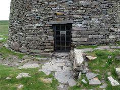 Entrance to Mousa Broch, South Mainland, Shetland, Scotland (J. Demetrescu 2010)