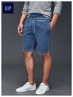 Fashion Mode, Mens Fashion, Summer Outfits Men, Jogger Shorts, Stencil Logo, Sport Wear, Jersey Shorts, Ladies Dress Design, Lounge Wear