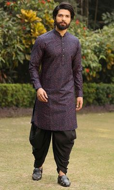 Best Top 40 Latest Pathani Kurtas for Men To Flaunt This Season: 2019 for Eid, Festivals Weddings Mens Indian Wear, Indian Men Fashion, India Fashion Men, Fashion Suits, Mens Fashion, Gents Kurta Design, Boys Kurta Design, Designer Suits For Men, Designer Clothes For Men