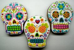 Dia de los Muertos sugar skull cookies - love the decoration Cupcakes, Cupcake Cookies, Sugar Cookies, Spritz Cookies, Fall Cookies, Sweet Cookies, Cookie Favors, Iced Cookies, Holiday Cookies