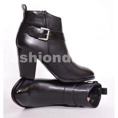 c1ac9927da Dámske čižmy na jeseň v čiernej farbe s prackou na boku - fashionday.eu