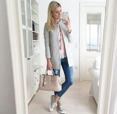 . Layering Outfits, Casual Fall Outfits, Grey Converse Outfits, Work Fashion, Fashion Outfits, Womens Fashion, Outfits Mujer, Grey Outfit, Colourful Outfits