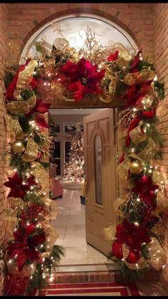 Elegant Christmas Trees, Diy Christmas Decorations Easy, Christmas Swags, Christmas Tree Themes, Christmas Centerpieces, Beautiful Christmas, Christmas Holidays, Christmas Crafts, Christmas Entryway