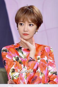 Long Bob Hairstyles, Cute Hairstyles, Haircuts, Go Jun Hee, Bob Hair Color, Shot Hair Styles, Boy Cuts, Short Hair Cuts, Kpop Girls