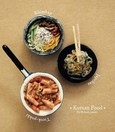Miniature #koreanfood :) I can't stop with Asian food everything is simply interesting. If you're wondering where dat egg in the bibimbap go, well, I tried making a vegan version still looks amazing as hell tho, so bye. #miniaturefood #mommytang #miniature #vegan #mommytang #yummy #random #sculpture #art #drawing #watercolor #sculpey #clay #clayfood #polymerclay #bibimbap #japchae #tteok-pokki #foodporn #food #cute #kawaii