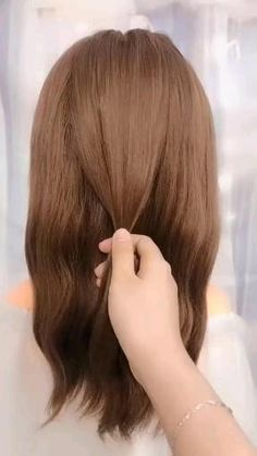 Medium Hair Styles, Curly Hair Styles, Styles For Short Hair, How To Style Short Hair, Easy Hairstyles For Long Hair, Beautiful Hairstyles, Braided Hairstyles, Simple Hairstyle Video, Easy Morning Hairstyles