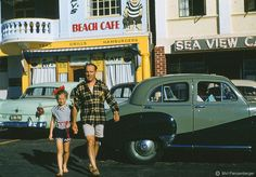 40 Wonderful Color Photographs Capture Street Scenes of Cape Town, South Africa from between the and ~ vintage everyday Beach Cafe, Cape Town South Africa, Africa Travel, Vintage Photographs, Old Photos, 1940s, Apartheid, Color, Africans
