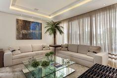 Sala de estar, sofá, cores claras, mesa de centro,