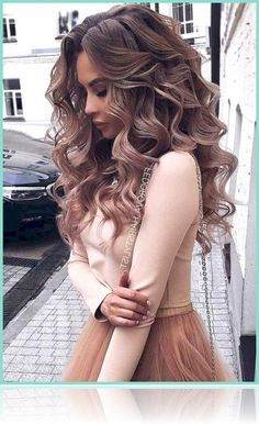 lange Haarmodelle - Trending Prom Hairstyles 2018 2019 For Long Medium Hair And All Color Hair 55 Quince Hairstyles, Bride Hairstyles, Down Hairstyles, Hairstyles 2018, Prom Hairstyles Medium Hair, Wedding Hair Down, Wedding Hair And Makeup, Bridal Hair, Wedding Updo