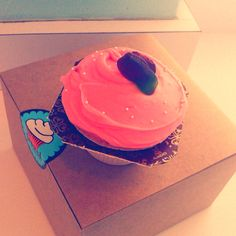 FROSTED cupcake - strawberry<3