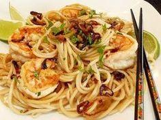 Shitaki noodles with prawns and tofu