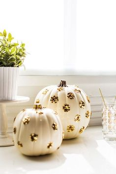 Pumpkin is characteristic decoration for Halloween. With pumpkin you can make different awesome characters, cheerful characters, but can serve also as a Halloween Chic, Halloween Games, Holidays Halloween, Halloween Crafts, Holiday Crafts, Holiday Fun, Fall Crafts, Halloween Decorations, Fall Decorations