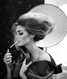Classic Beauty #BouffantHairModern