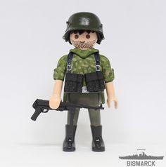 Click Customizado Soldado Panzergrenadier  Adaptación de un playmobil, customizado como soldado Panzergrenadier con subfusil MP40