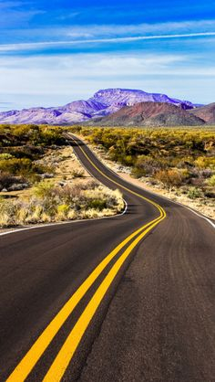 Beautiful Roads, Beautiful Places To Travel, Landscape Photos, City Landscape, Nature Photography, Travel Photography, Road Routes, Road Trippin, Nature Photos