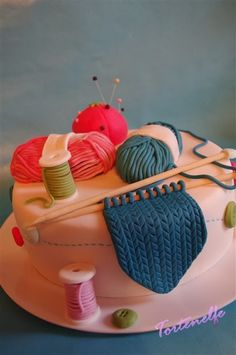 Tortenelfes Blog - Backe, backe, Kuchen ...: Handarbeits- Motivtorte