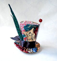 Tiny Top Hat: Traditional Mad Hatter -The Tea Party Alice in Wonderland Through the Looking Glass fast shipping Costume Cosplay party.