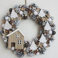 Jídlo a floristika / Zboží | Fler.cz Homemade Christmas Wreaths, Christmas Wreaths For Front Door, Xmas Wreaths, Christmas Time, Christmas Crafts, Christmas Decorations, Holiday Decor, Wreaths And Garlands, Christmas Arrangements