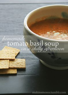 warm tomato basil soup | perfect for a college student living on a budget follow for more healthy recipes and food tips