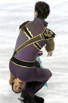 Pattinaggio su ghiaccio: un'inquietante illusione ottica