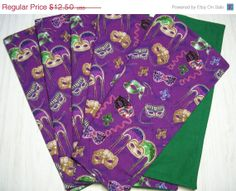 PRESIDENTS DAY SALE - Cloth Napkins Mardi Gras -  Masks Print - If you are a Mardi Gras fan, you'll love these!
