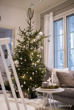 Kulta, Hopea, Christmas Holidays, Christmas Tree, Your Cards, Holiday Decor, Home Decor, Christmas Vacation, Teal Christmas Tree