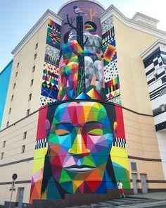 Moscow, russia: street art by spanish artist okudart for artrium street gra Street Tattoo, Okuda, Urban Street Art, Grafiti, Amazing Street Art, Mural Art, Murals, Wall Mural, Art Graphique