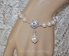 Wedding Pearl Bride Bridesmade bracelet by USASwarovskiBeauty