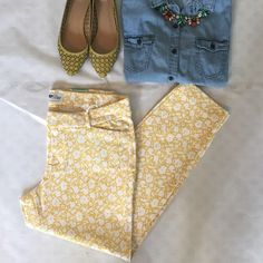 """Old Navy Floral Print Pixie Pant super cute and Spring ready! NWT yellow and white floral print """"Pixie"""" pant from Old Navy. 95% cotton 5% spandex. waist is 16"""" flat. length is approx. 26.5"""" - ankle length. size 12. Old Navy Pants Ankle & Cropped"""