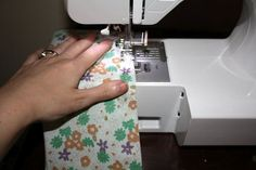 How to Make an Easy Dress (For Cheap!) : 8 Steps (with Pictures) - Instructables Sewing Lessons, Sewing Class, T Shirt Sewing Pattern, Sewing Patterns, Dress Patterns, Easy Dress, Simple Dresses, Cheap Dresses, Sewing Machine Tension