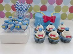 Donald Duck Cake Pops and Cupcakes