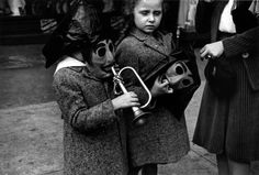 Helen Levitt, New York, ca. 1940