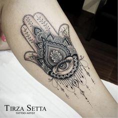 55 Spiritual Hamsa Tattoo Meaning and Designs Symbol Tattoos Motive, Leg Tattoos, Body Art Tattoos, Script Tattoos, Flower Tattoos, Tattoos Tribal, Dragon Tattoos, Tattos, Fatima Hand Tattoo