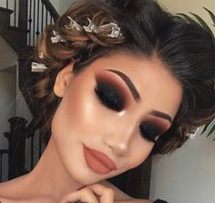 Gorgeous Makeup: Tips and Tricks With Eye Makeup and Eyeshadow – Makeup Design Ideas Glam Makeup, Dramatic Makeup, Makeup Inspo, Eyeshadow Makeup, Makeup Inspiration, Hair Makeup, Makeup Ideas, Eyeshadow Palette, Makeup Style
