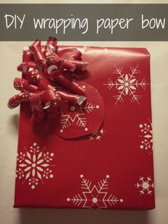 DIY Wrapping Paper Bow