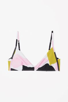 A soft-cup style, this bikini top is made from double-sided fabric with an all-over, colour-contrasting print. It is secured with adjustable straps and a hook clasp fastening on the back. Source by csgarv Tops Bikini Bottoms, Bikini Tops, Swim Bottoms, Summer Of Love, Summer Things, Summer 2016, Bikini Fashion, Fashion Brand, Beachwear