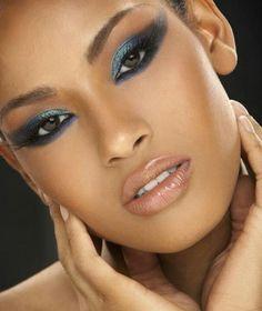 Die 79 Besten Bilder Von Frau Mit Glatze Artistic Make Up Makeup
