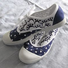 Customized sneakers by Nadenka. www.nadenka.cz