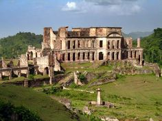 ZOOM SUR HAITI | Le Palais Sans-Souci de Milot - sur les traces du Roi
