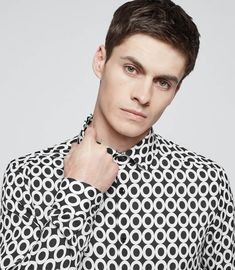 At REISS you will find the best mens fashion clothing. We have lots of popular styles available for the modern man. Gold Chains For Men, Angel Wing Earrings, Best Mens Fashion, Fashion Line, Reiss, Modern Man, Mens Clothing Styles, Gifts For Friends, Monochrome