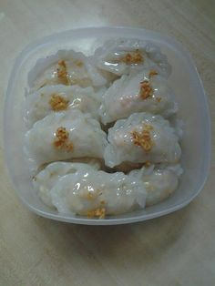 Dapur Kecil Maria: CHOI PAN Indonesian Desserts, Asian Desserts, Indonesian Food, Salty Snacks, Yummy Snacks, Yummy Food, Choi Pan Recipe, Appetizer Recipes, Snack Recipes
