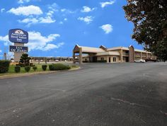 Paris (TX) Americas Best Value Inn United States, North America Set in a prime location of Paris (TX), Americas Best Value Inn puts everything the city has to offer just outside your doorstep. The hotel offers a high standard of service and amenities to suit the individual needs of all travelers. All the necessary facilities, including facilities for disabled guests, Wi-Fi in public areas, car park, airport transfer, meeting facilities, are at hand. Guestrooms are designed to ...